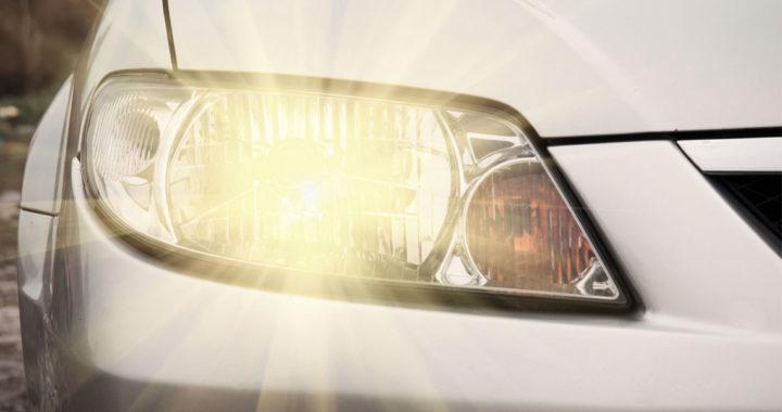 Стало известно, с какого числа водители должны включать днем ближний свет фар