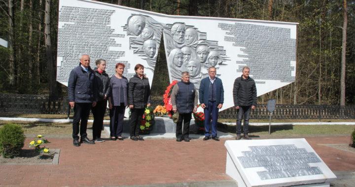 В Лесках почтили память жертв фашизма