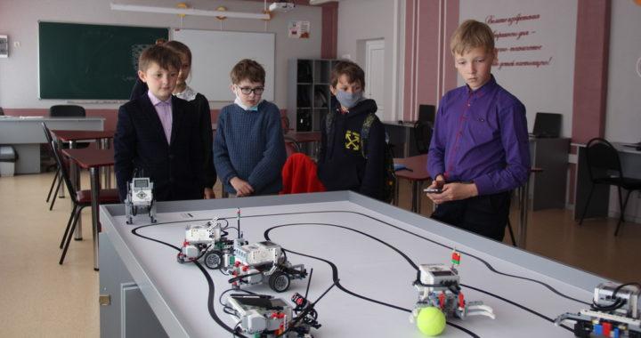 Парк высоких технологий помог Высоковской школе оборудовать STEM-центр