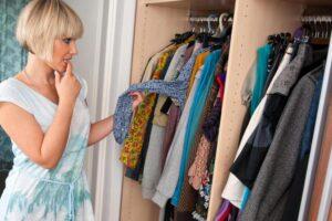 Что жителям района делать со старой, отслужившей свой срок одеждой?