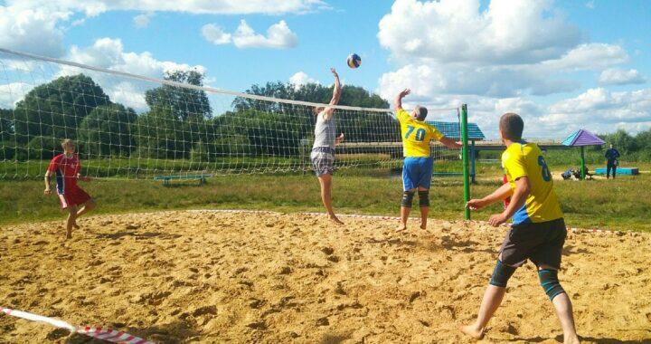 Лучшими на пляже были волейболисты из «Агро-Пелище»