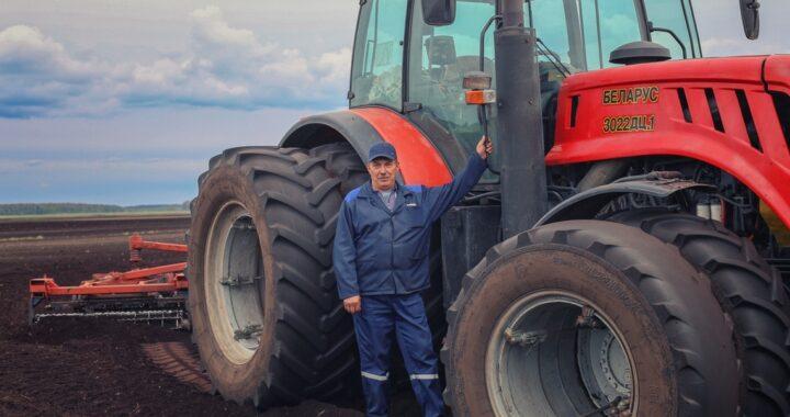 Жители Каменецкого района получили награды ко Дню работника сельского хозяйства и перерабатывающей промышленности АПК