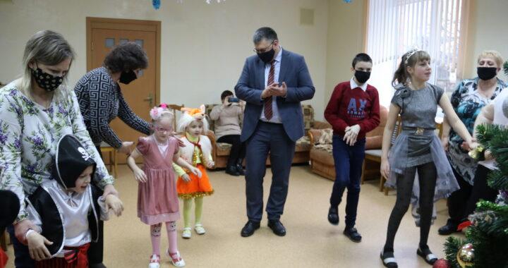 В районный центр коррекционно-развивающего обучения и реабилитации пришел праздник
