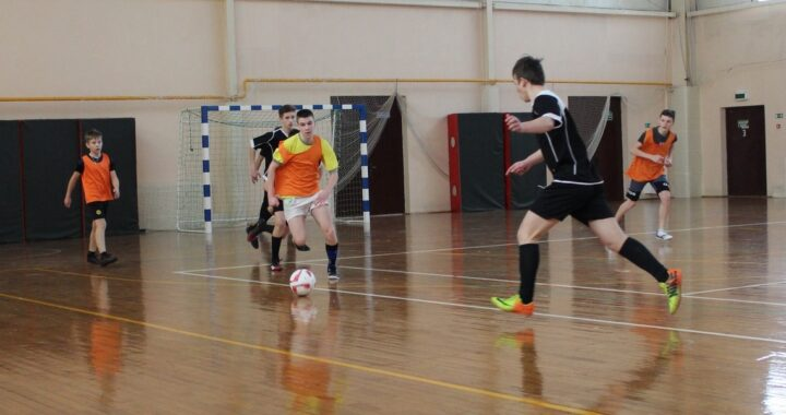 Определились участники 1/4 финала спартакиады по мини-футболу среди детей и подростков «Кожаный мяч»