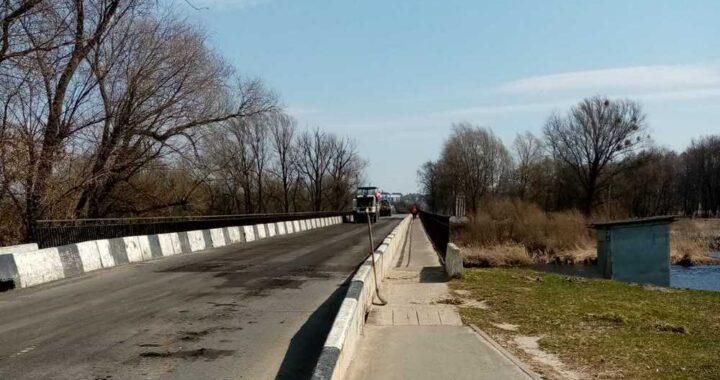 Фотофакт: в Каменце продолжается ремонт дорог