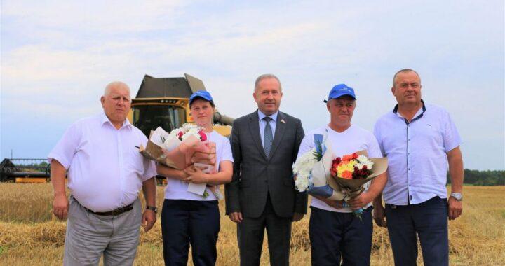 Первые двухтысячники области из Каменецкого района
