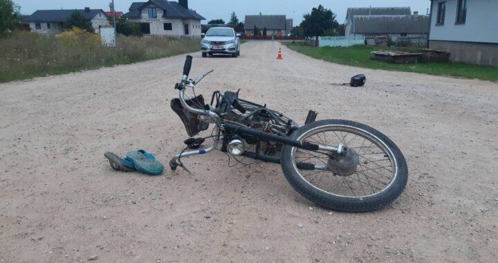 В Каменце 11-летний водитель вместе с братом на мопеде попали в ДТП