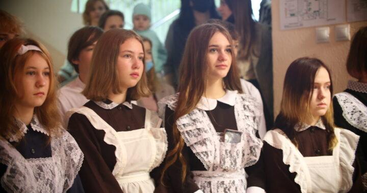 Высоковская средняя школа встретила своих учеников и их родителей